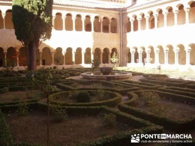 Claustro Monasterio de Silos; trekking mochilas; pedraza viaje